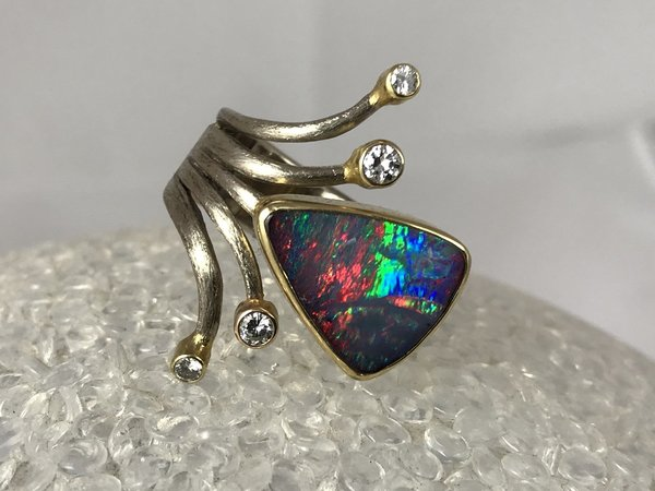 Ring mit Opal